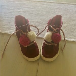 Other - Cute Pom Pom ankle boots - burgundy- size 13..